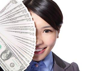 ルックスによる生涯賃金格差は2700万円!