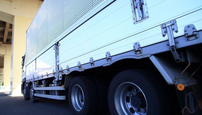 「おっぱいトラック」は日本で認められるか