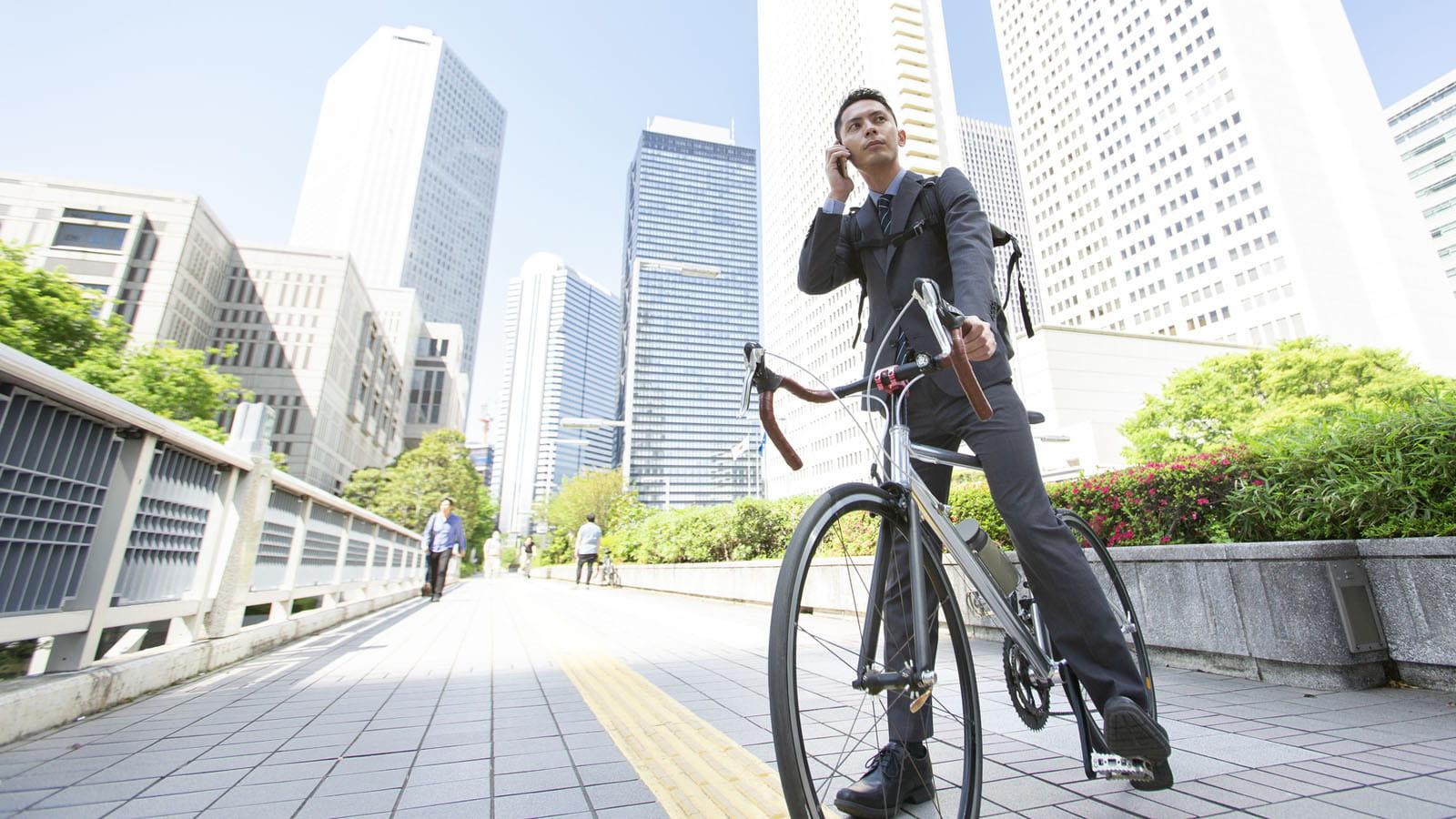 自転車 政治 事故 家