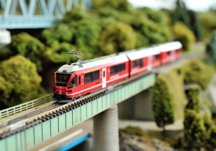 How Did a Japanese Train Model Attract Europeans? | original