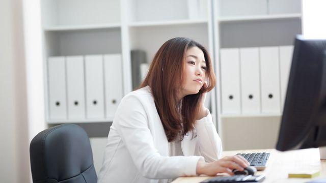 仕事に集中できない人の思考回路とは(写真:hanack/PIXTA)