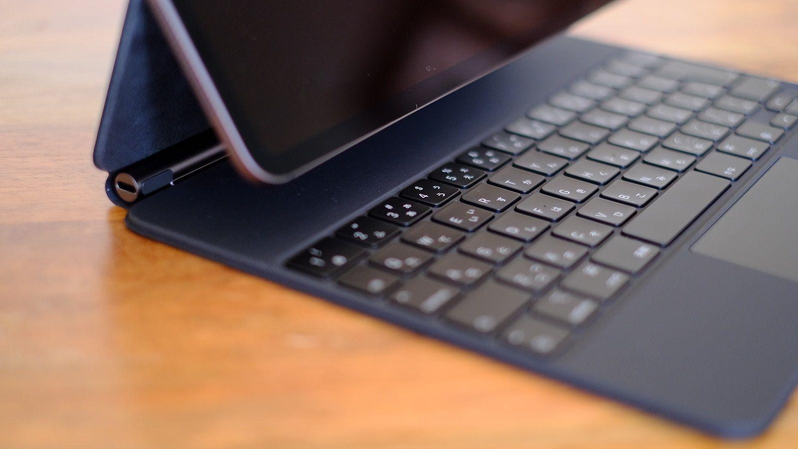 iPadがパソコンに変身「磁石で付くキーボード」 | スマホ・ガジェット ...