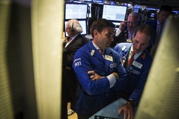 米国株式市場は横ばい、一部様子見ムード