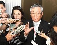 瀬戸際の日本航空再建、外資登場でも混沌