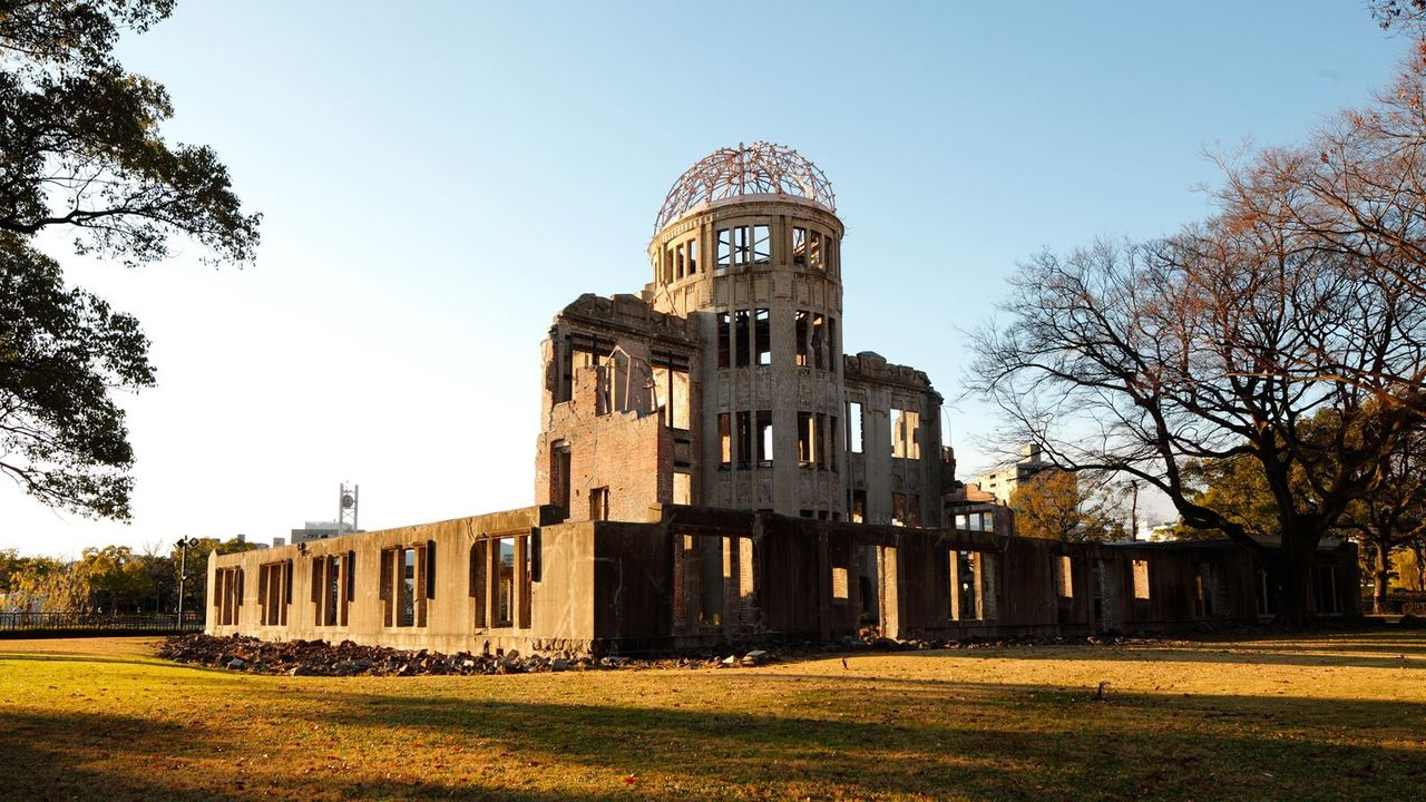 an argument in favor of the necessity of atomic bombing of hiroshima and nagasaki Nagasaki marks 68th anniversary of us atomic bombing [video] more about hiroshima and nagasaki 70th anniversary of the atomic bombs that ended the second world war.