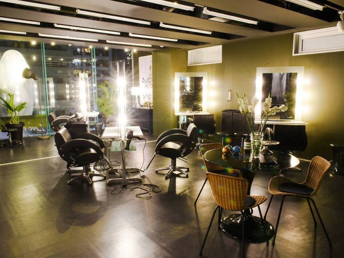 Top tokyo hair salons where to get a brand new look in for Act one salon salem nh