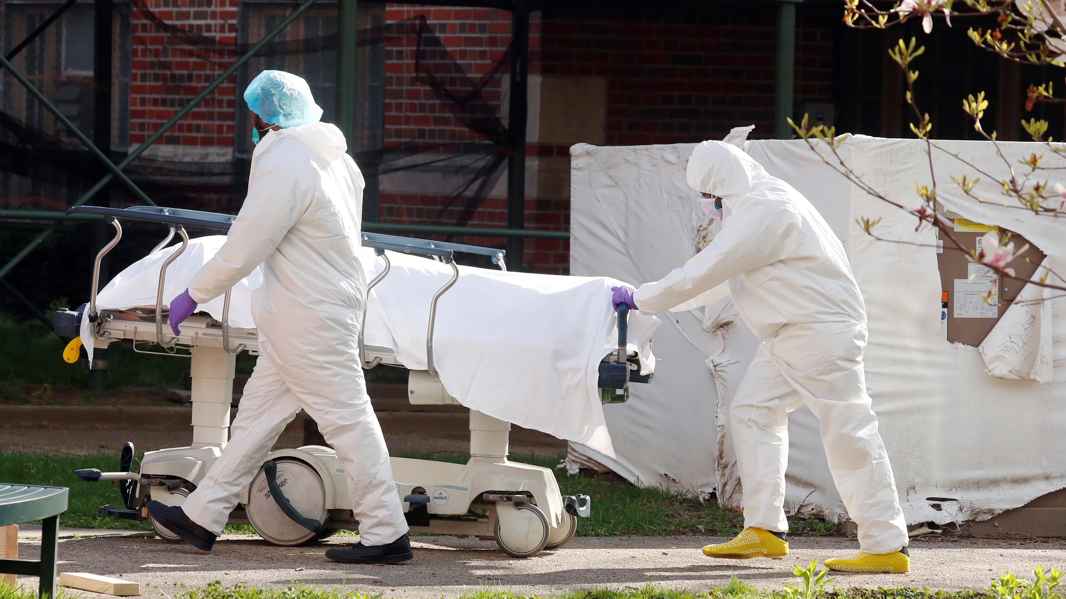アメリカ 死者 コロナ ウイルス