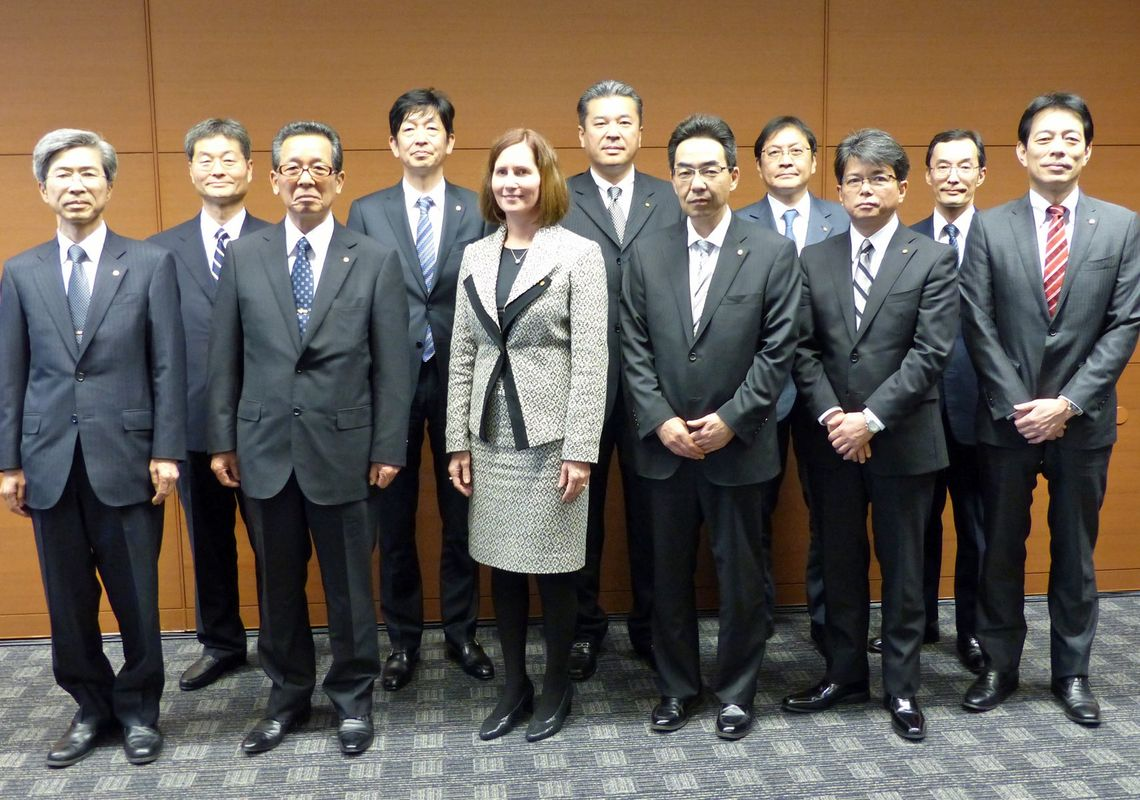 diversifying hoikuen offerings to drive japan Tokyo -- japanese corporations got an advance look tuesday at an updated set  of government guidelines designed to discourage the insular.