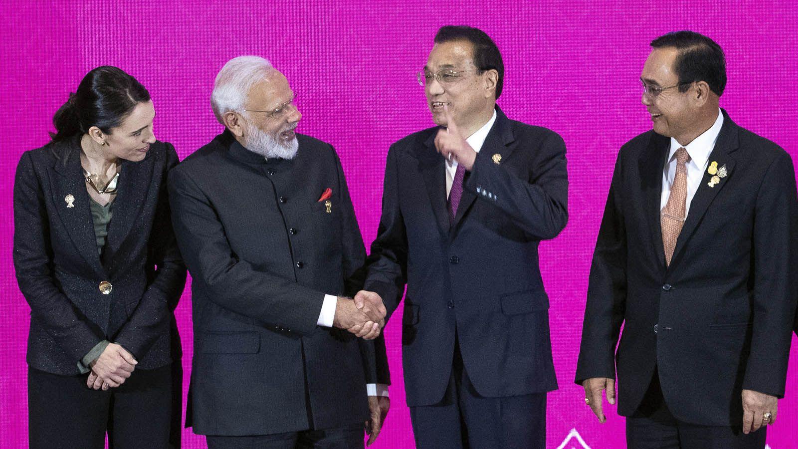 「インドは現状では、この協定には加われない。ガンジーも、私の良心も、参加を許さない」インドのナレンドラ・モディ首相は11月4日、タイ・バンコク近郊で開かれたRCEP(東アジア地域包括的経済連携)交渉…