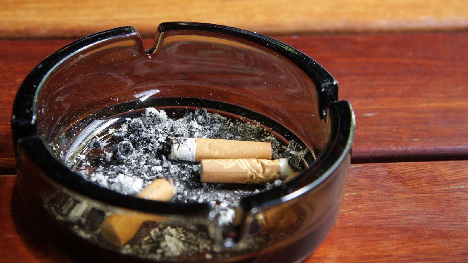 吸う 芸能人 タバコ